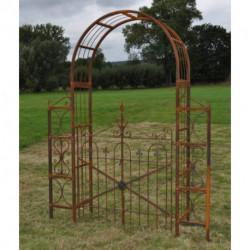 Arche avec portail en fer décoratif